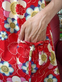 apron dress pocket.JPG