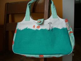 fabric-roundbag-fawn.jpg