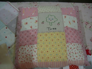 patchwork pillow.JPG